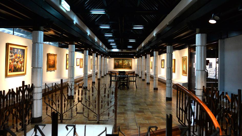 Galeri Kiri Atas